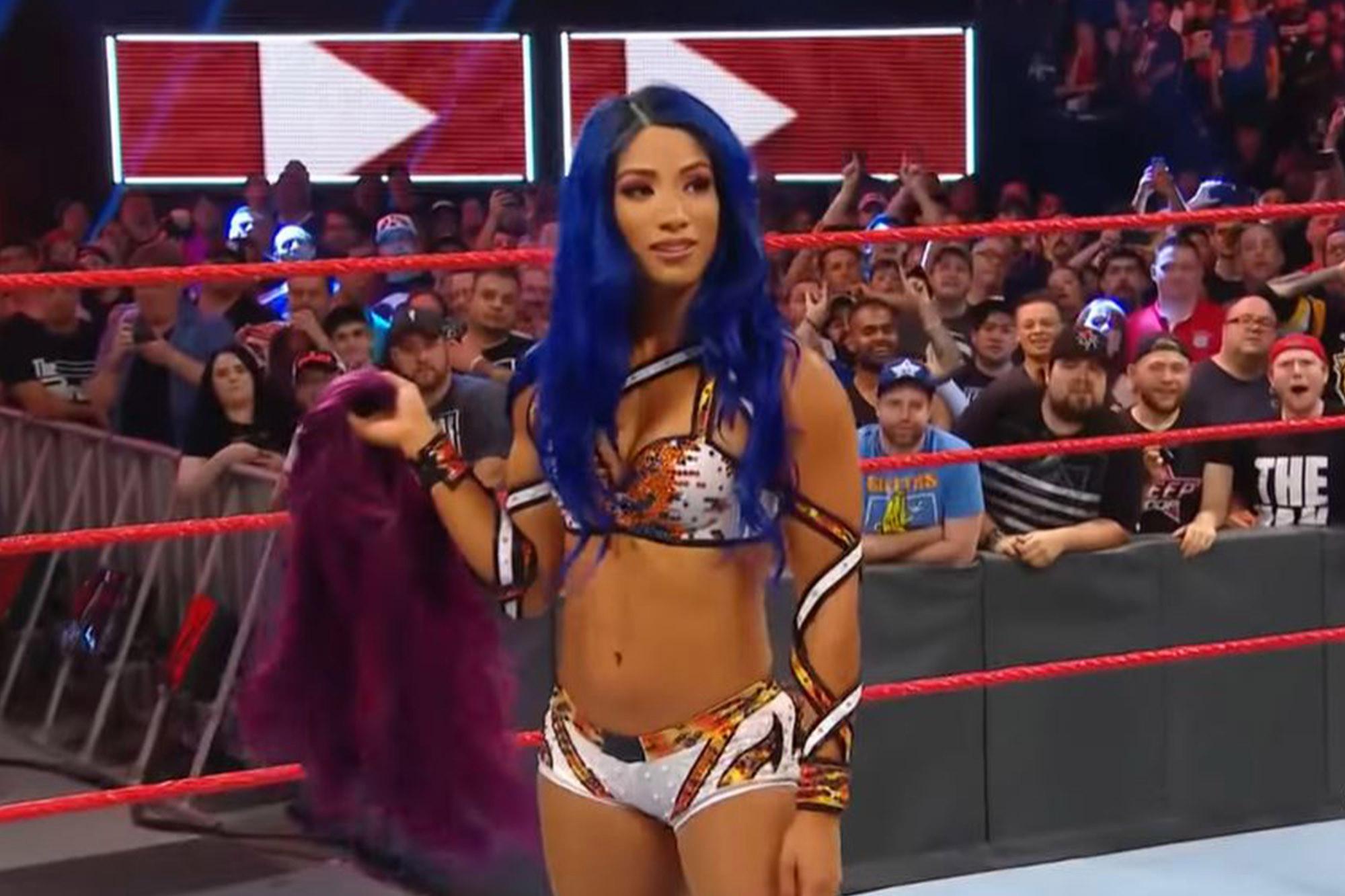 sasha-banks-wig-reveal
